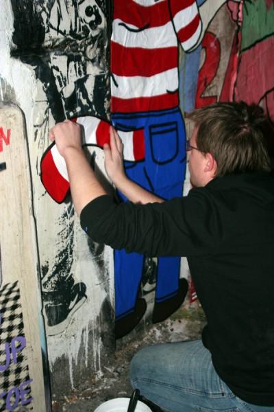 Derek doing a Waldo (image courtesy Derek Shumate)