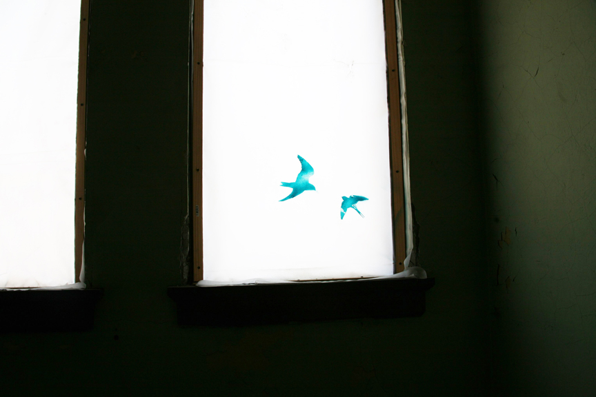 A view of a very subtle but effective piece on the church window (photo © Salome Oggenfuss)