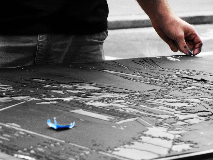 Brooklyn-Street-Art-Logan-Hicks-WEB-itinerrance-June2010_3747
