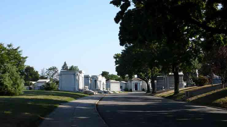 """The Evergreen"" Cemetery (© Jaime Rojo)"