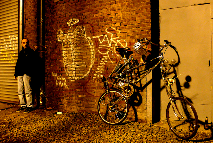 brooklyn-street-art-bring-to-life-nuit-blanche-NYC-2010-jaime-rojo-web-7