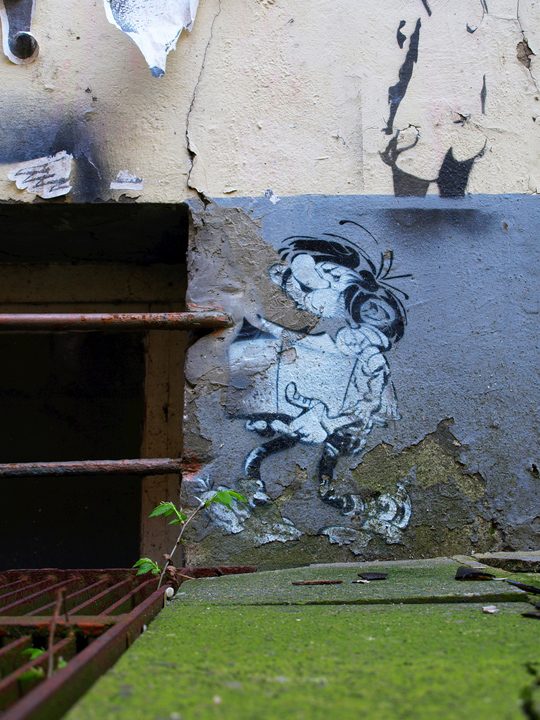 brooklyn-street-art-Gaston-Lagaffe-franquin-stencil-history-x-web