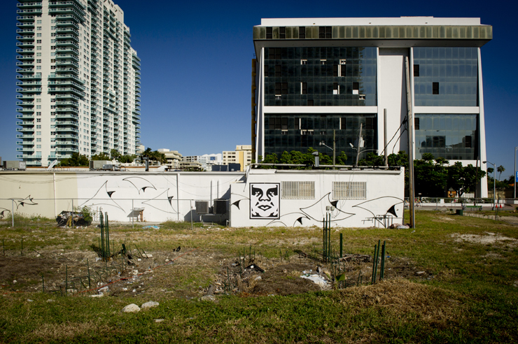 brooklyn-street-art-obey-overunder-miami-2010-web