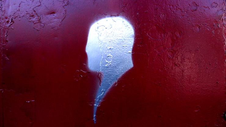 brooklyn-street-art-silver-silouette-jaime-rojo-12-10-web
