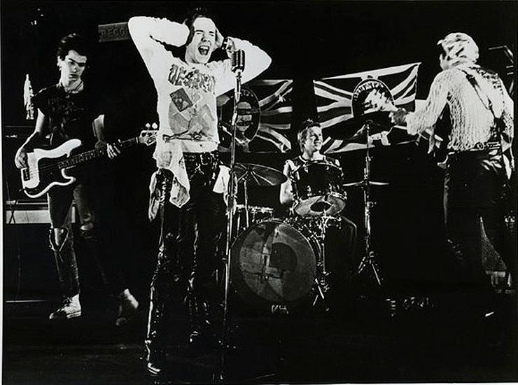 Brooklyn-Street-Art-Sex_Pistols_GSTQ_Promotional-Wikipedia-public-domain