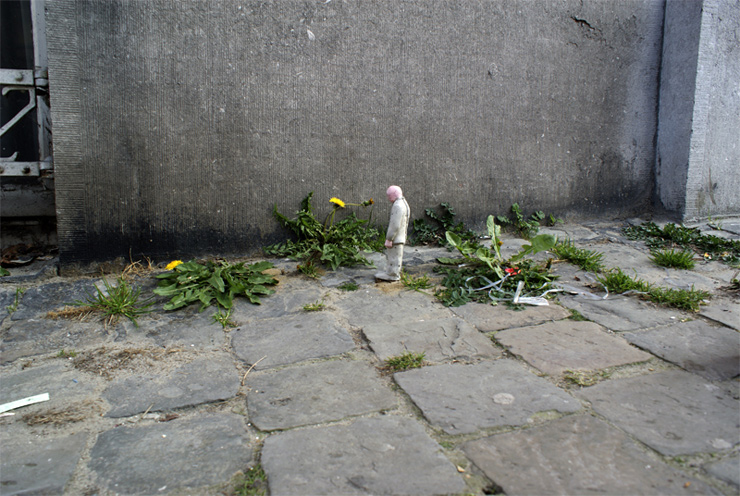 brooklyn-street-art-isaac-cordal-the_nature_of_the_zone-3-04-11-web