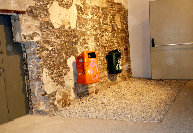 brooklyn-street-art-Lea Schleiffenbaum-venice-beinnale-2011-Arsenale- Klara-Liden- Trash-cans-web