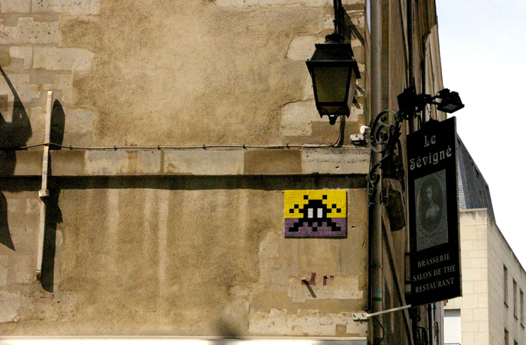 brooklyn-street-art-invader-Er1cBl41r-paris-1-web