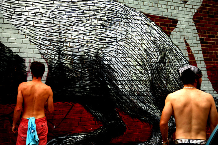 brooklyn-street-art-overunder-jaime-rojo-welling-court-2011-ad-hoc-art-06-11-web