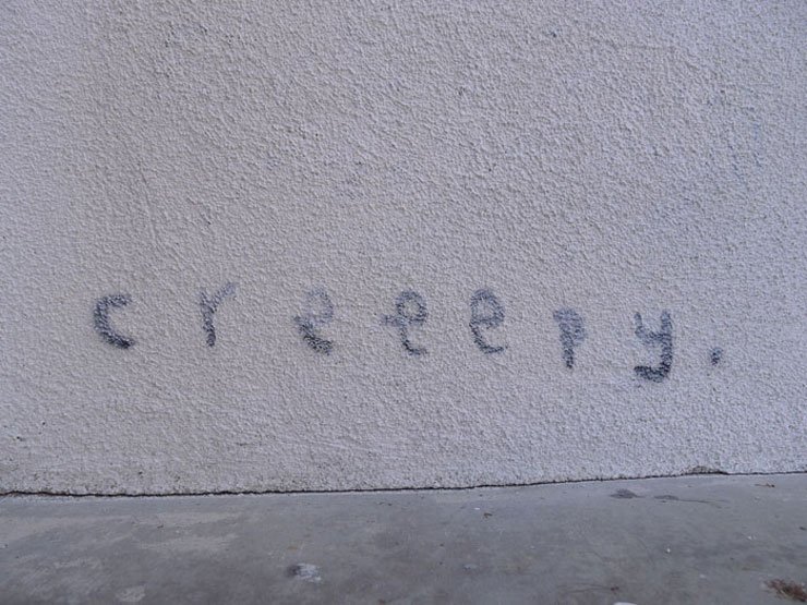Brooklyn-Street-Art-Creepy-signature-tag_LA-copyright-creepy-081011