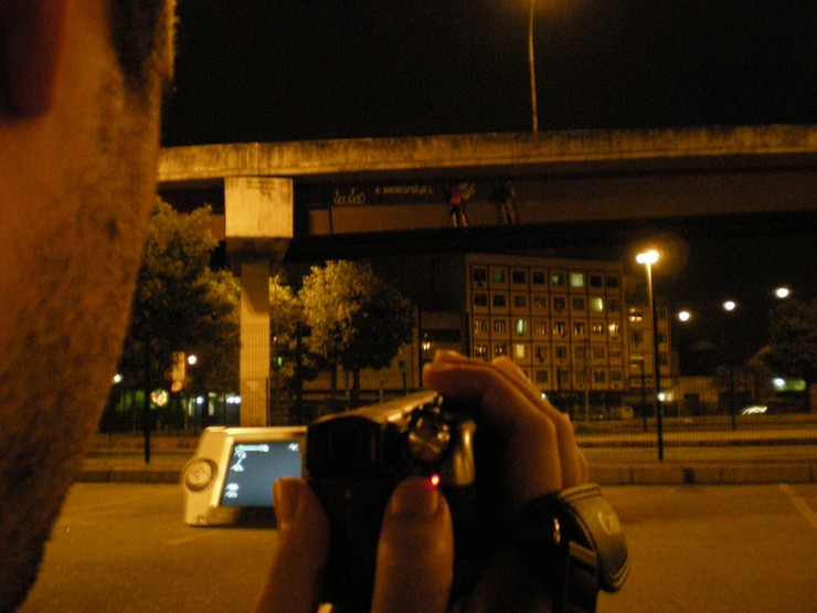 brooklyn-street-art-nuart-2011-Luz Câmera Pichação