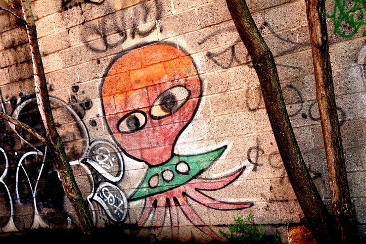 brooklyn-street-art-ufo-jaime-rojo-09-11-web