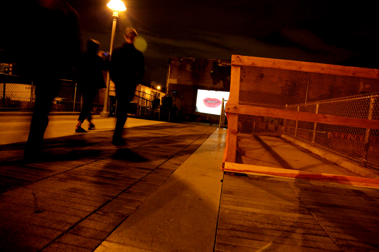 brooklyn-street-art-Diller Scofidio-jaime-rojo-bring-to-light-nuit-blanche-new-york-2011-10-web-1