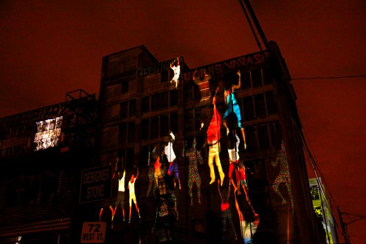 brooklyn-street-art-daniel-canogar-jaime-rojo-bring-to-light-nuit-blanche-new-york-10-2011-web-1