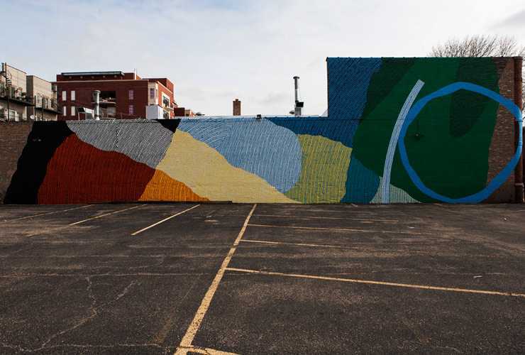 MOMO Paints New Mural in Chicago