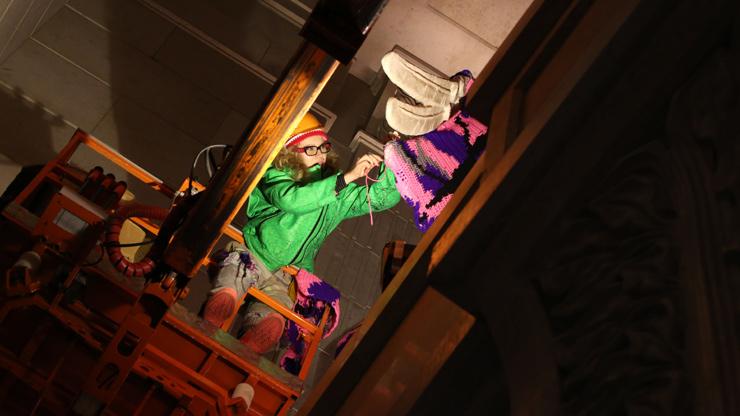 brooklyn-street-art-olek-pride-russia-09-13-web-4