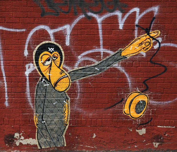 brooklyn-street-art-wonky-monky-jaime-rojo-09-08-13-web