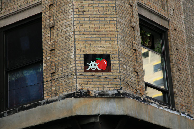 brooklyn-street-art-invader-jaime-rojo-11-03-13-web-5