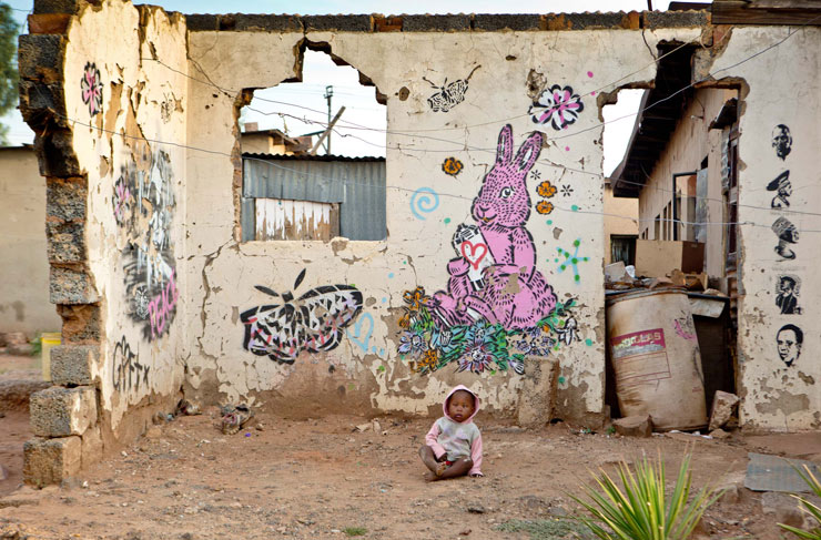 brooklyn-street-art-aiko-rowan-pybus-makhulu-kliptown-soweto-04-13-web-1