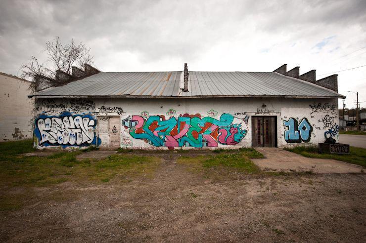 brooklyn-street-art-Kagn-Valet-Building10-geoff-hargadon-ashville-04-14-web