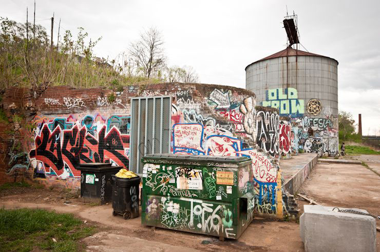 brooklyn-street-art-trackside-gallery-geoff-hargadon-ashville-04-14-web