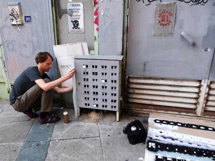 brooklyn-street-art-Cooper-evol-istanbul-pera-08-14-web-1