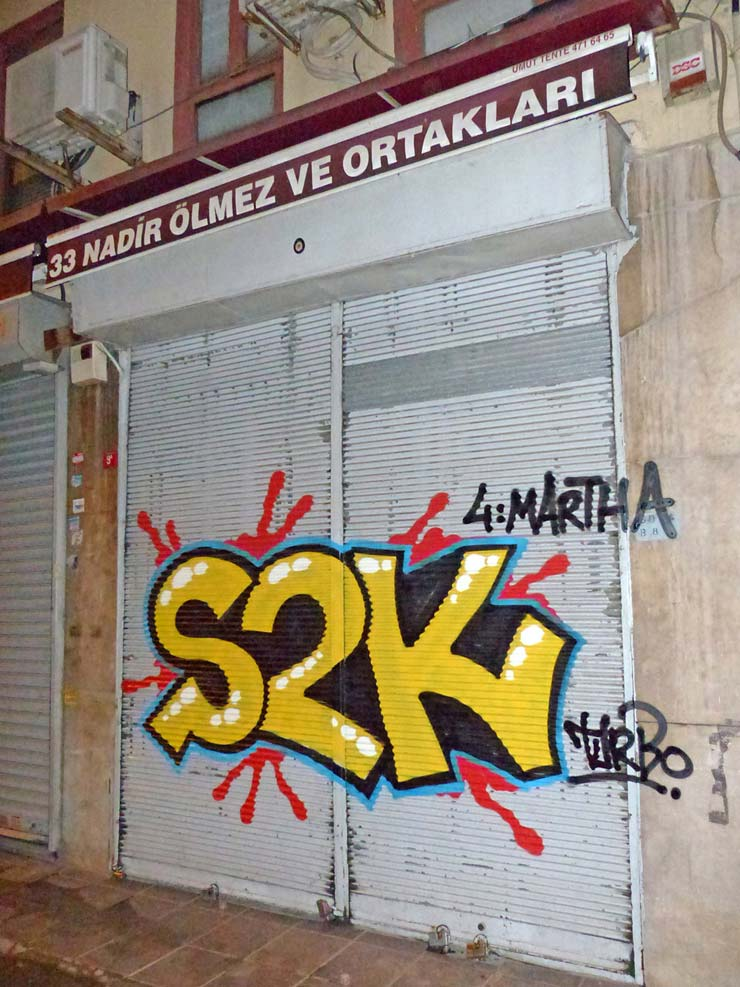 brooklyn-street-art-Cooper-shot-to-kill-turbo-istanbul-pera-08-14-web