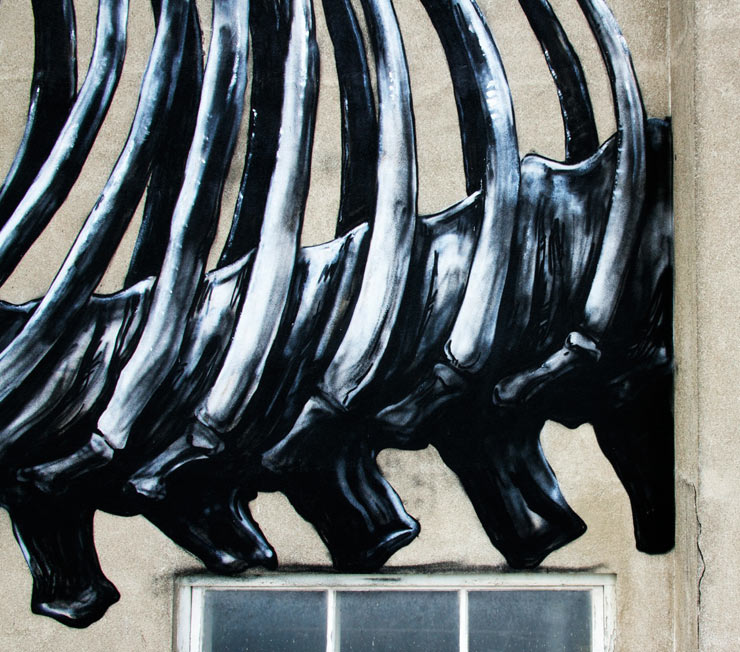 brooklyn-street-art-roa-henrik-haven-ifo-center-bromolla-sweeden-07-14-web-13
