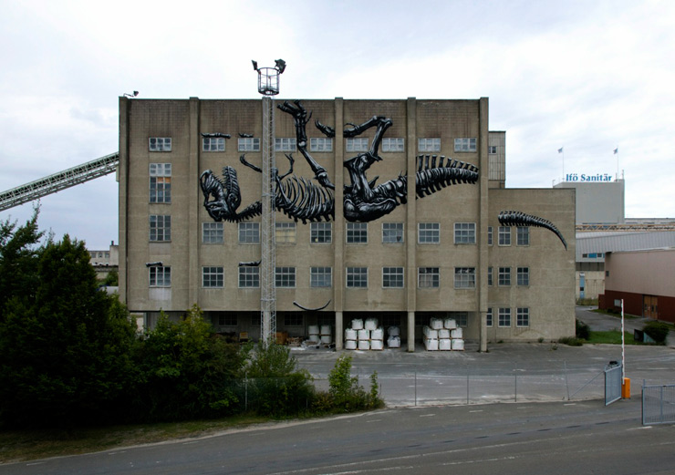 brooklyn-street-art-roa-henrik-haven-ifo-center-bromolla-sweeden-07-14-web-14