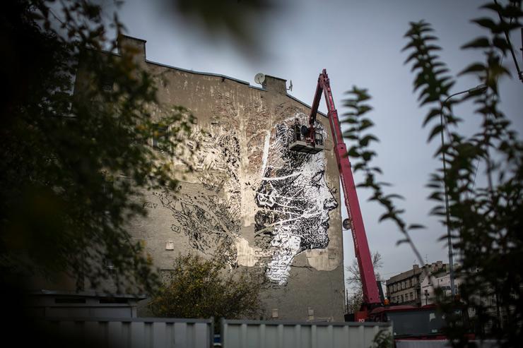 brooklyn-street-art-vhils-Marek-Szymanski-galeria-urban-forms-lodz-poland-2014-web-2