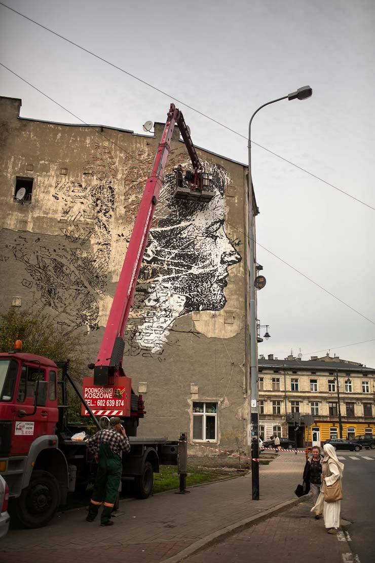 brooklyn-street-art-vhils-Marek-Szymanski-galeria-urban-forms-lodz-poland-2014-web-3