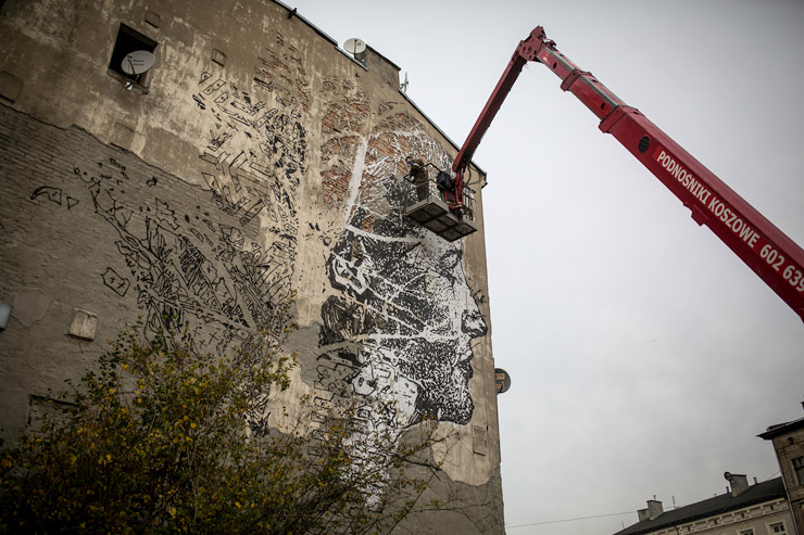 brooklyn-street-art-vhils-Marek-Szymanski-galeria-urban-forms-lodz-poland-2014-web-4