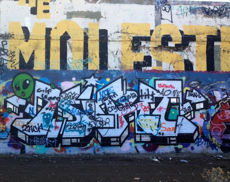 brooklyn-street-art-dirtTBK-overunder-erik-burke-american-Flats-reno-2014-web-1