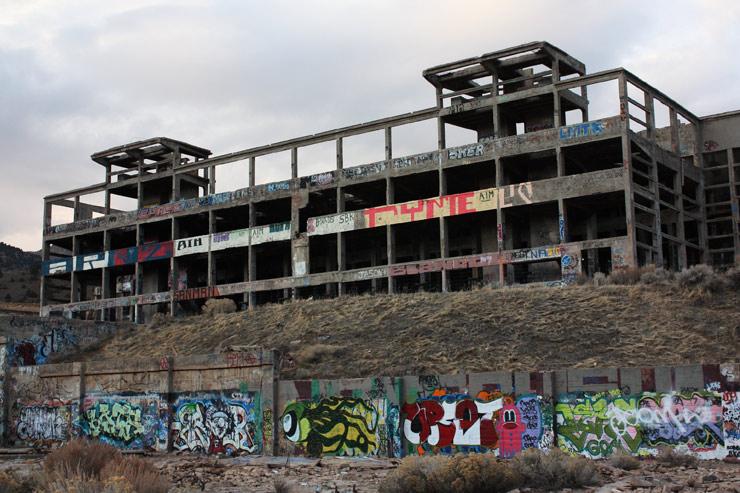 brooklyn-street-art-meryl-burke-american-Flats-reno-2014-web-4