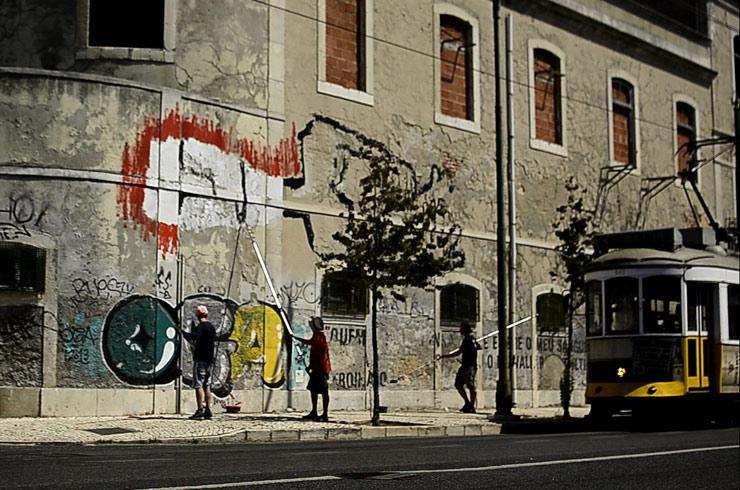 brooklyn-street-art-cane-morto-el-pacino-Tanguy-Bombonera-lisbon-portugal-web-14