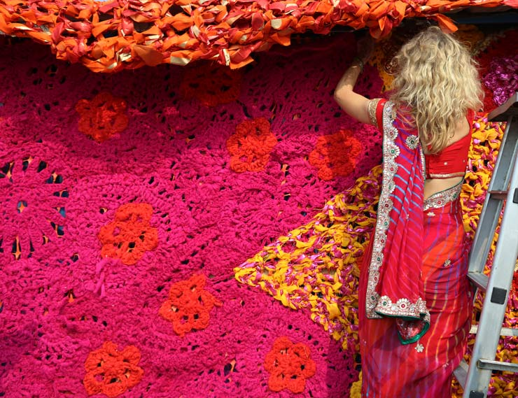 brooklyn-street-art-olek-new-delhi-street-art-india-03-15-web-12