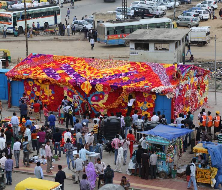brooklyn-street-art-olek-new-delhi-street-art-india-03-15-web-16