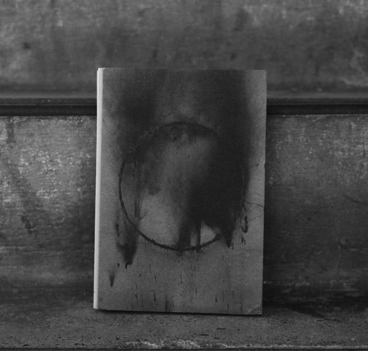 brooklyn-street-art-borondo-memento-mori-jaime-rojo-04-15-web-1