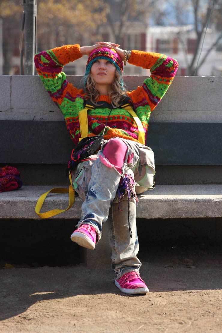 Brooklyn-street-art-olek-Francesco-Garcia-chile-05-15-web-1