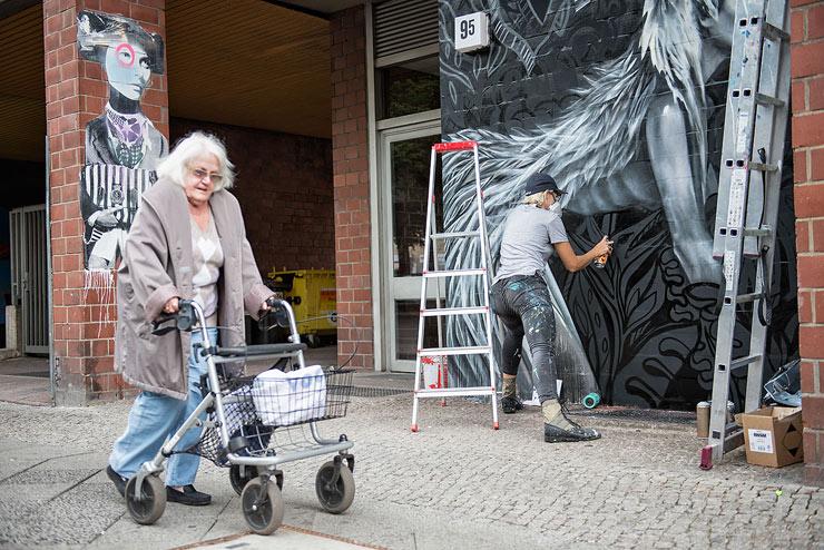 brooklyn-street-art-elle-nika-kramer-un-pm8-stolen-space-06-15-web-2