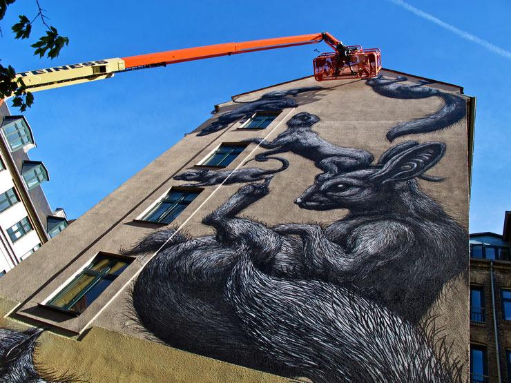 brooklyn-street-art-roa-sandra-hoj-surface-soren-solkaer-06-15-web