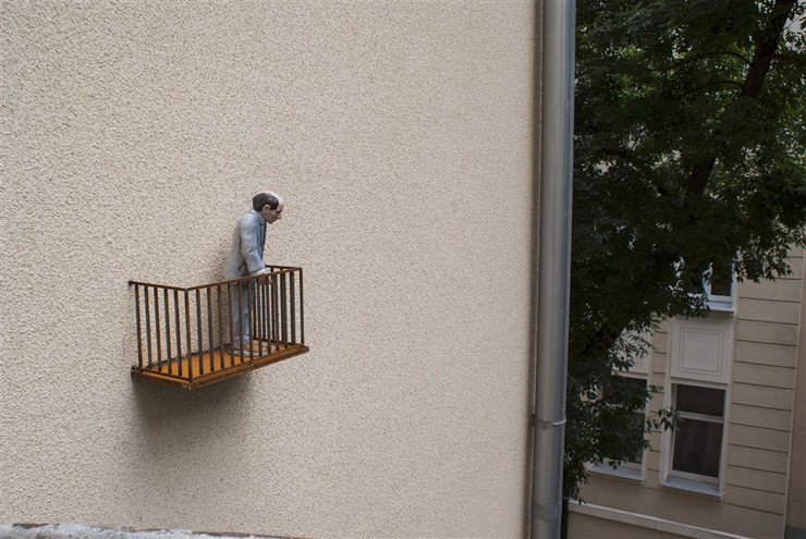 brooklyn-street-art-Isaac_Cordal-lodz-poland-06-15-web-4
