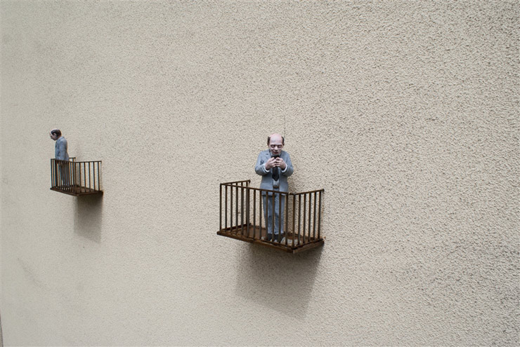 brooklyn-street-art-Isaac_Cordal-lodz-poland-06-15-web-5