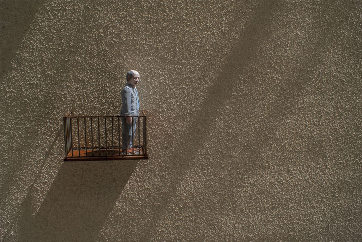 brooklyn-street-art-Isaac_Cordal-lodz-poland-06-15-web-9