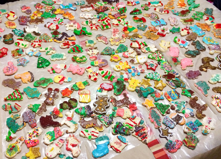 Brooklyn-Street-Art-Christmas-Cookies-122515-740