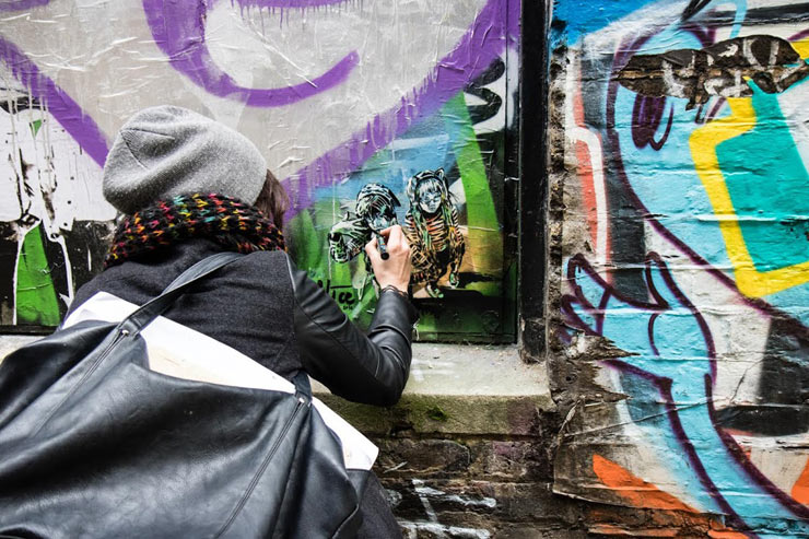 brooklyn-street-art-alice-pasquini-jessica-stewart-saatchi-xx-london-02-16-web-4