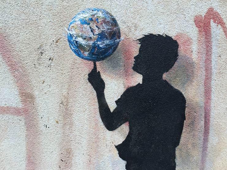 brooklyn-street-art-pejac-Rotation-Jabal-Al-Webdah-Amman-jordan-04-16-web-2