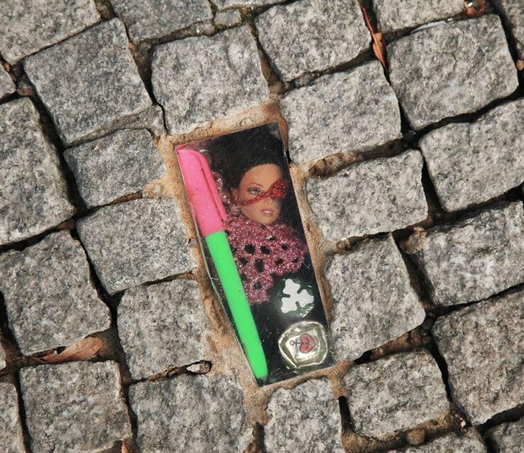 brooklyn-sreet-art-olek-robosexi-jaime-rojo-berlin-07-31-16-web-2