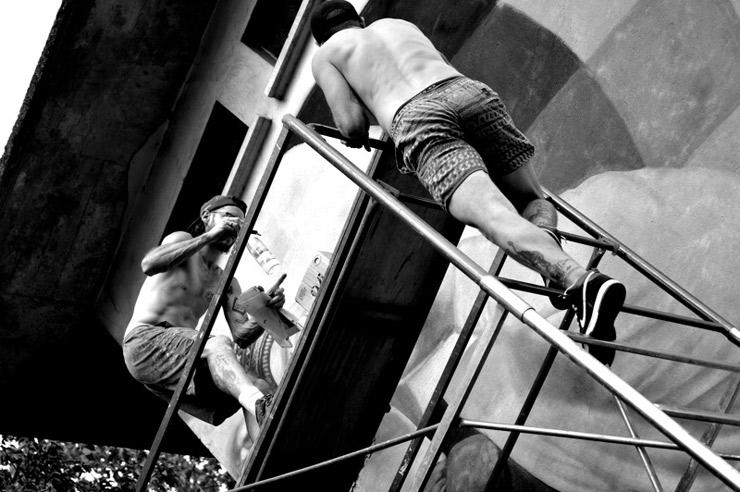brooklyn-street-art-overunder-enrico-ponzoni-Vogorno-Switzerland-Osnago-Italy-07-16-web