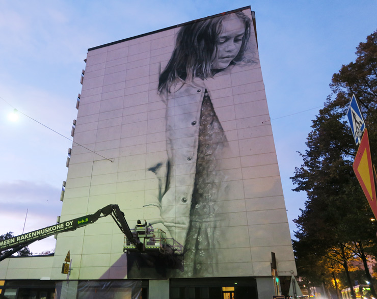 brooklyn-street-art-guido-van-helten-upea-findland-10-16-web-1